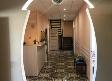 дом для престарелых внутри помещения