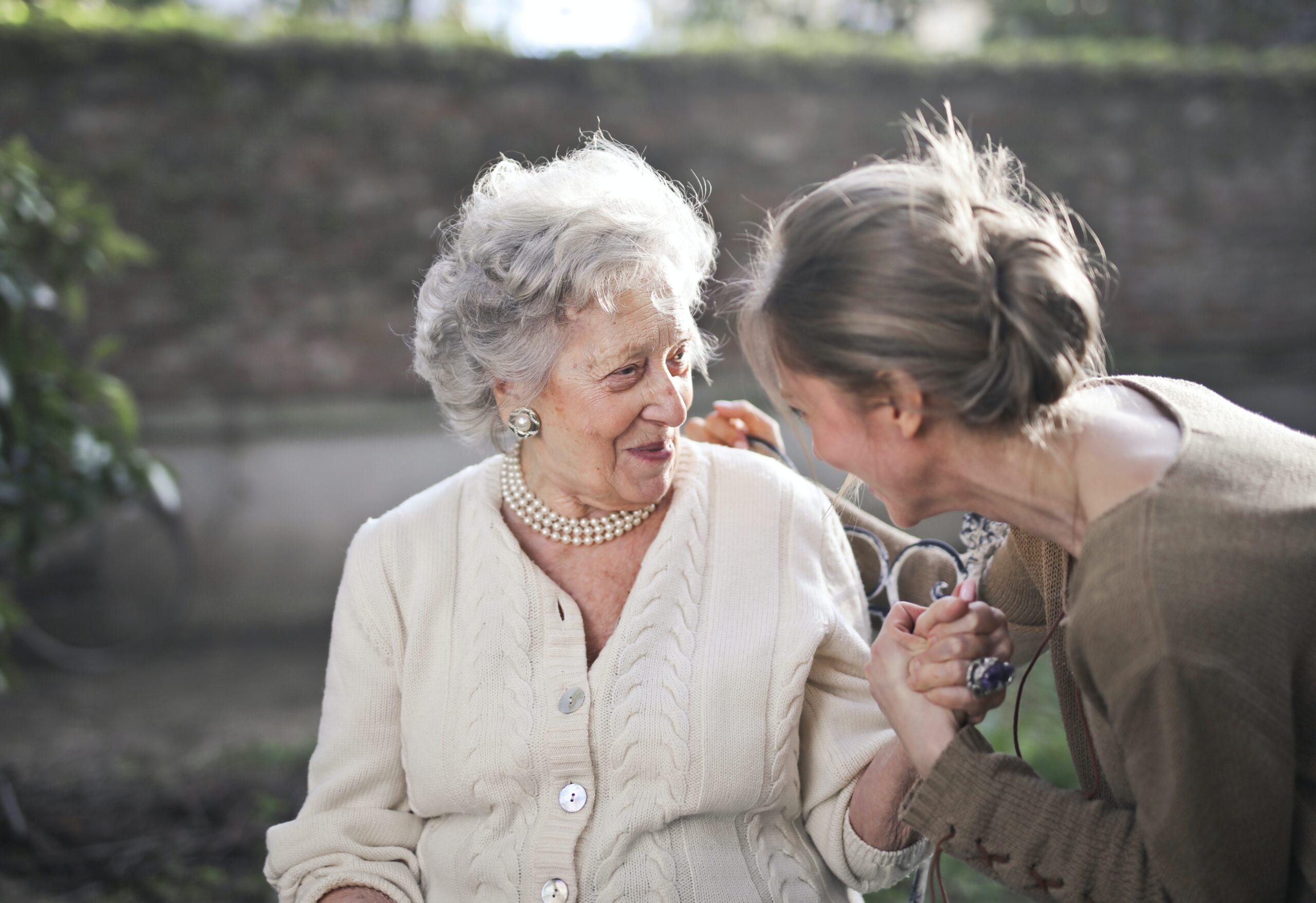 как общаться с пожилыми дом престарелых